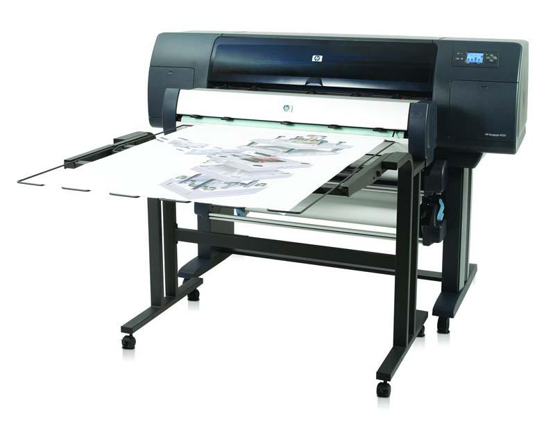 HP DesignJet 4250 z izlagalno mizo